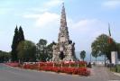Il monumento ai caduti.